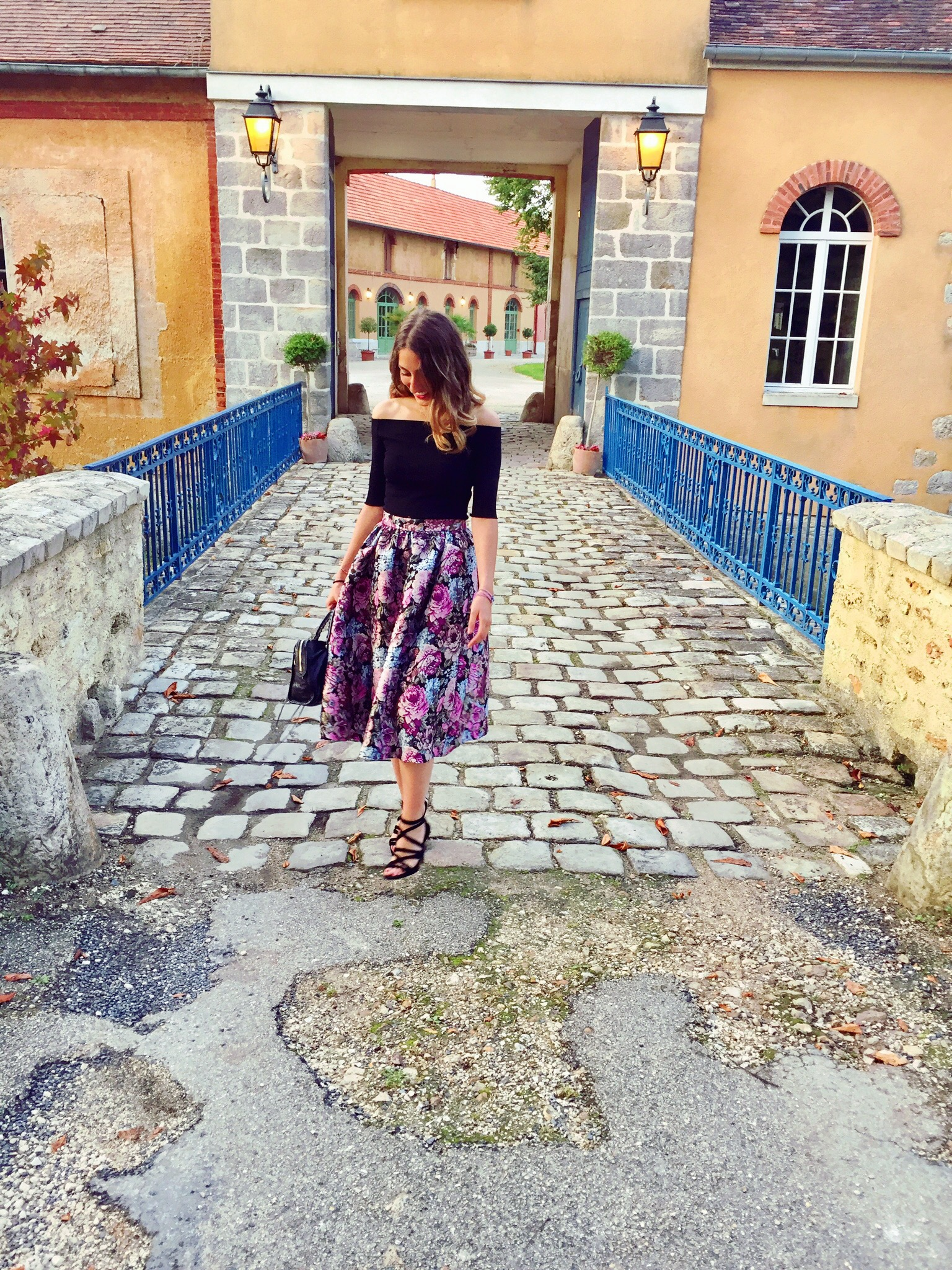 look-mariage-jupe-chic-outfit